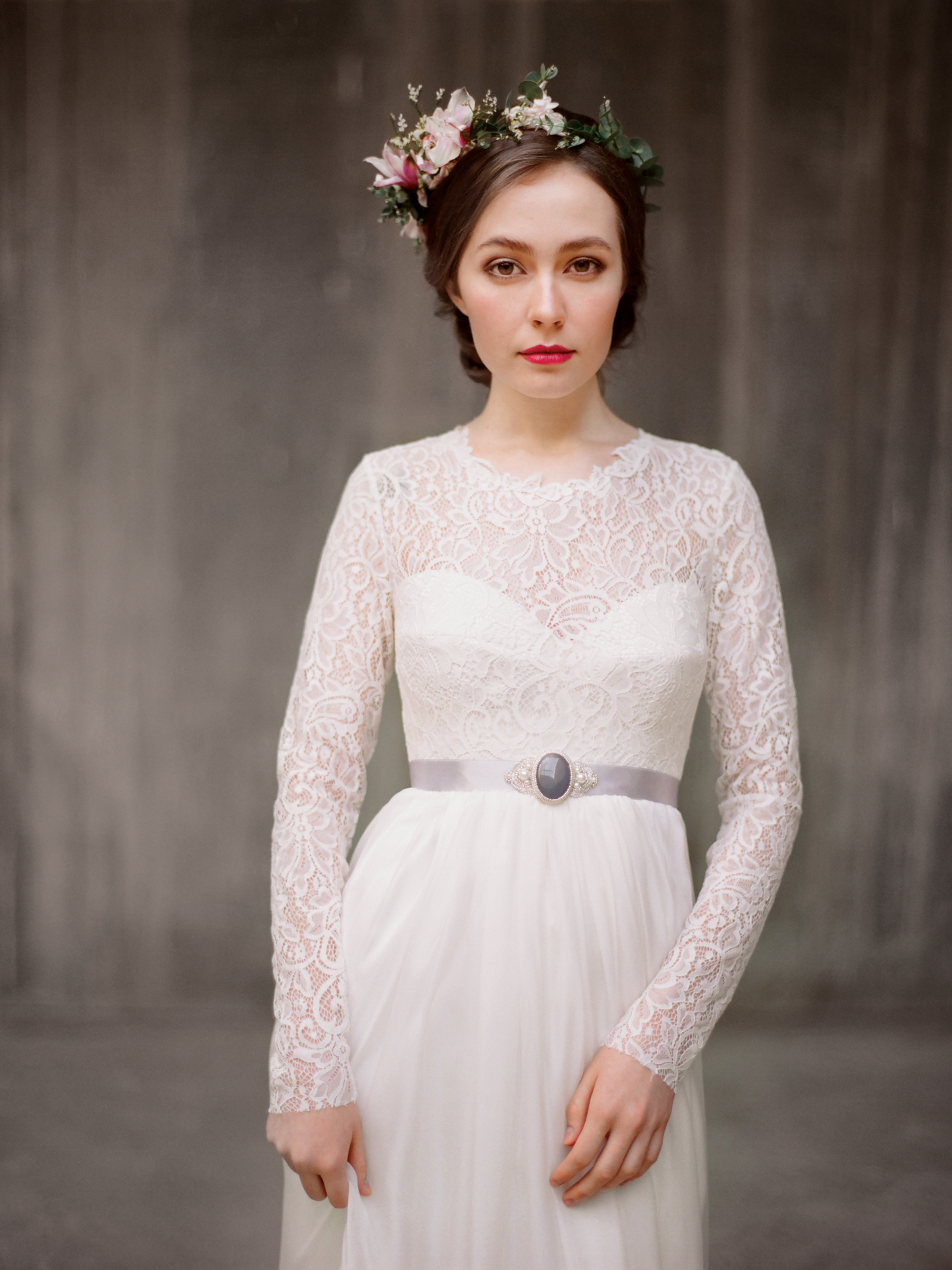 Свадебные платья с рукавами какую модель выбрать